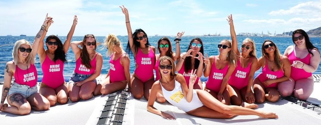 Girl party on boat🥂