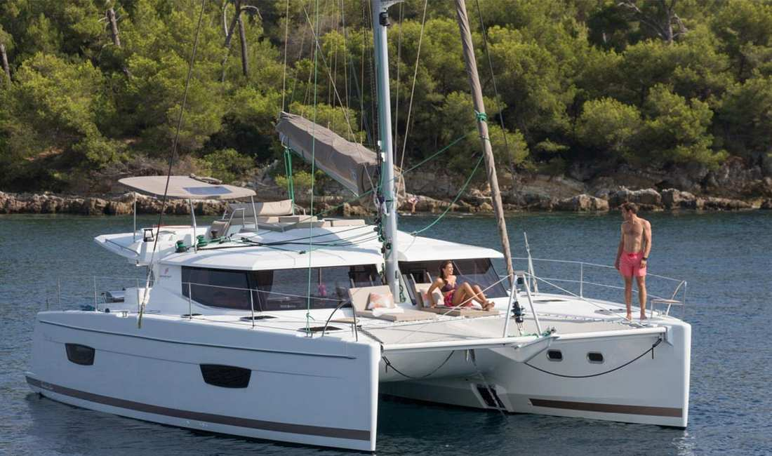 Rent catamaran for day charter mallorca