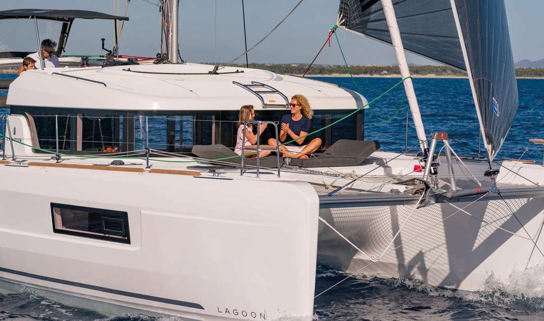 Catamaran Lagoon 40 Day Charter